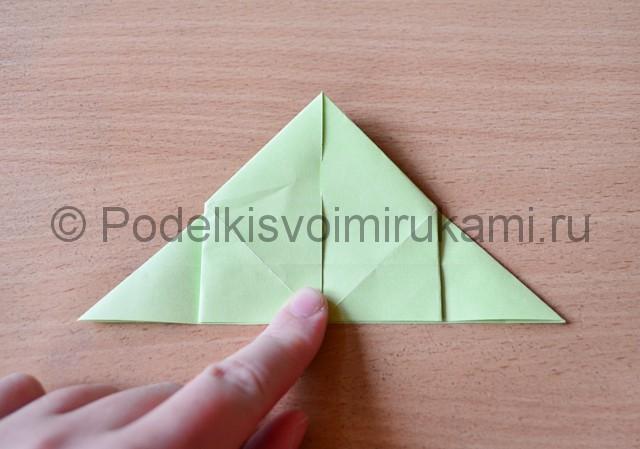 Как сделать фейерверк из бумаги. Фото 13.