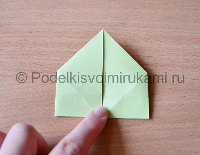 Как сделать фейерверк из бумаги. Фото 14.