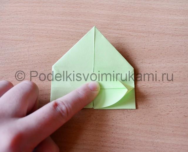 Как сделать фейерверк из бумаги. Фото 15.