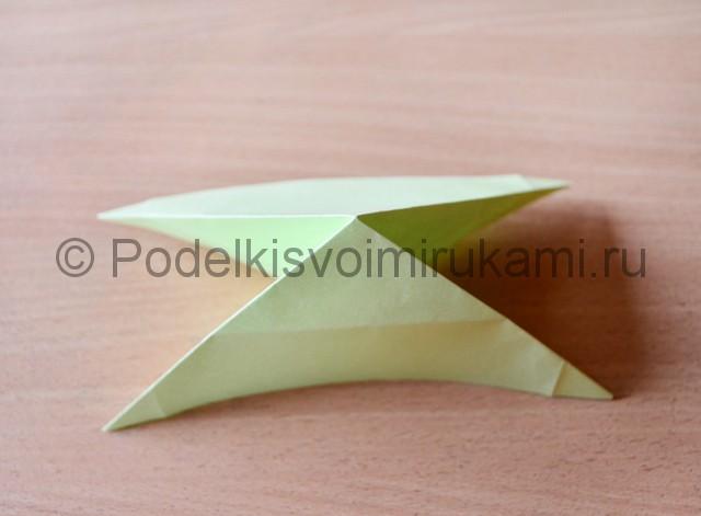 Как сделать фейерверк из бумаги. Фото 9.