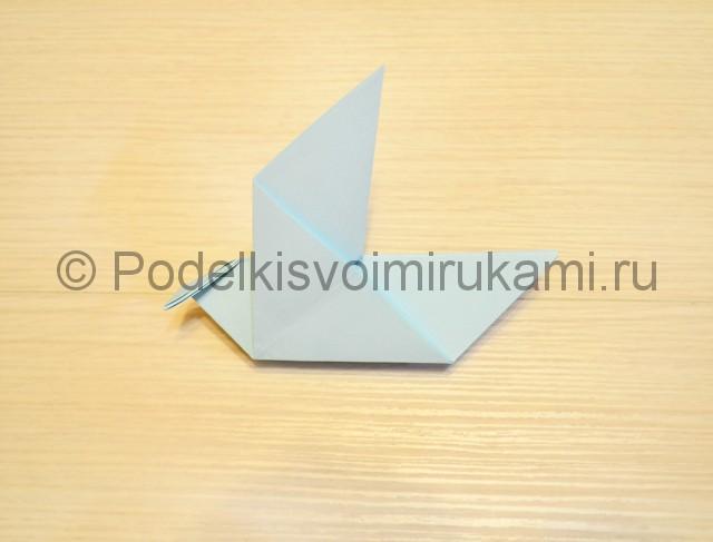 Как сделать голубя из бумаги своими руками поэтапно. Фото 13.