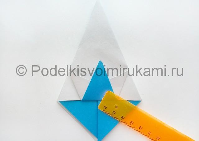 Как сделать куклу из бумаги. Фото 11.