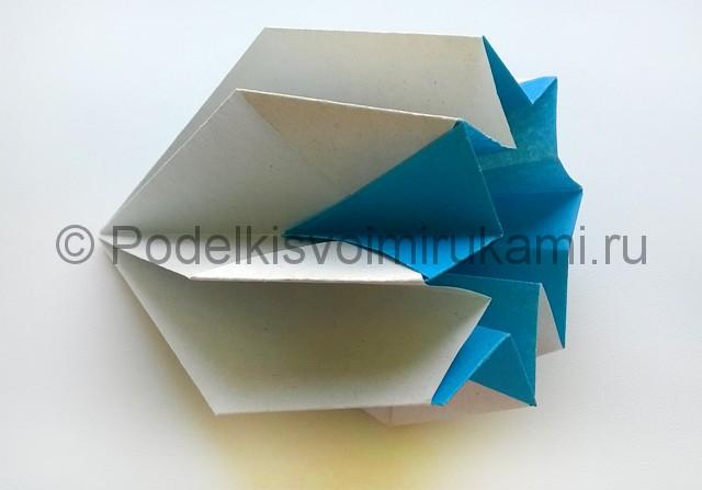 Как сделать куклу из бумаги. Фото 12.