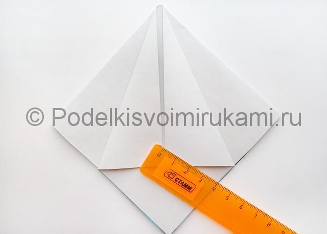 Как сделать куклу из бумаги. Фото 6.