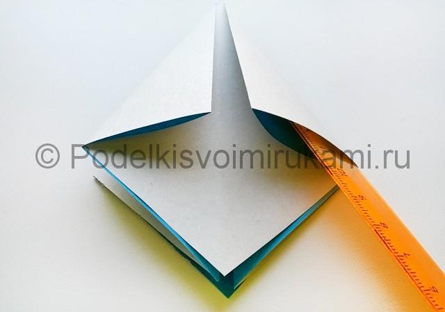 Как сделать куклу из бумаги. Фото 7.