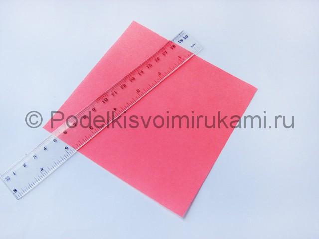 Как сделать лебедя из бумаги в технике оригами. Фото 1.