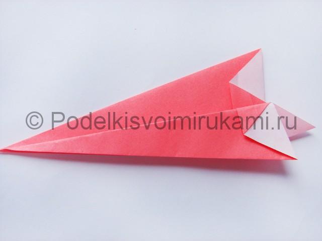 Как сделать лебедя из бумаги в технике оригами. Фото 10.
