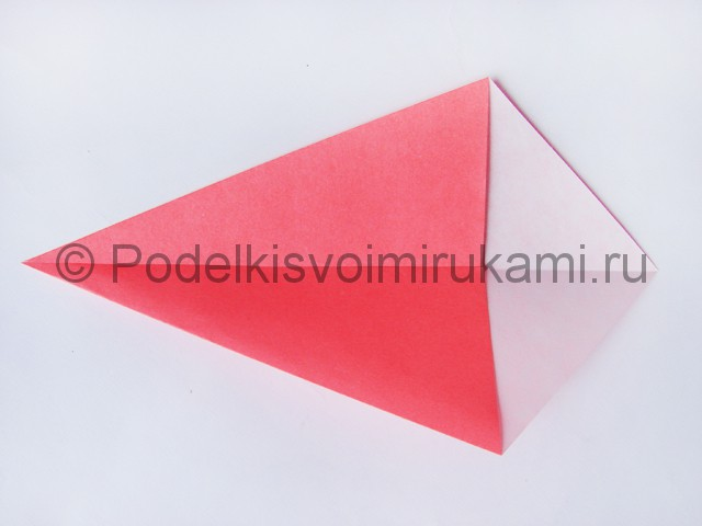 Как сделать лебедя из бумаги в технике оригами. Фото 3.
