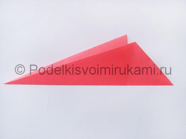 Как сделать лебедя из бумаги в технике оригами. Фото 4.
