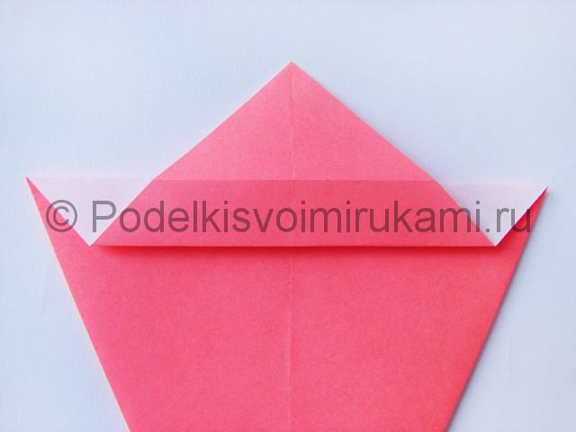 Как сделать лебедя из бумаги в технике оригами. Фото 7.