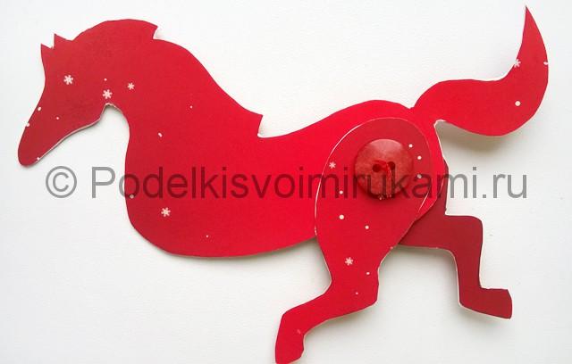 Как сделать лошадь из бумаги. Фото 10.