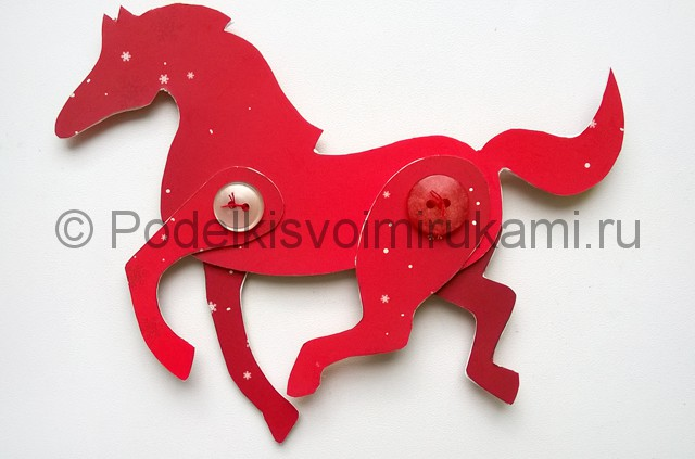 Как сделать лошадь из бумаги. Фото 11.