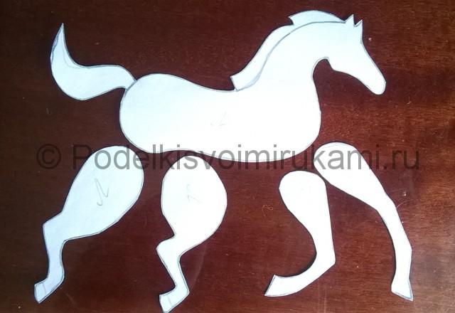 Как сделать лошадь из бумаги. Фото 3.