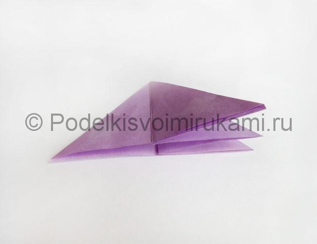 Как сделать пирамиду из бумаги. Фото 13.