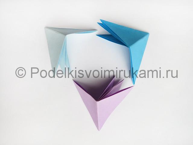 Как сделать пирамиду из бумаги. Фото 14.