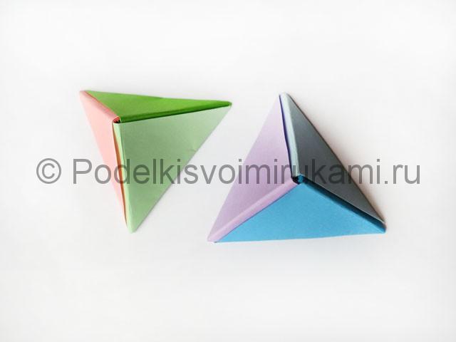 Как сделать пирамиду из бумаги. Итоговый вид поделки. Фото 1.