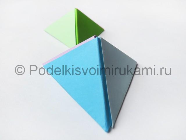Как сделать пирамиду из бумаги. Итоговый вид поделки. Фото 2.