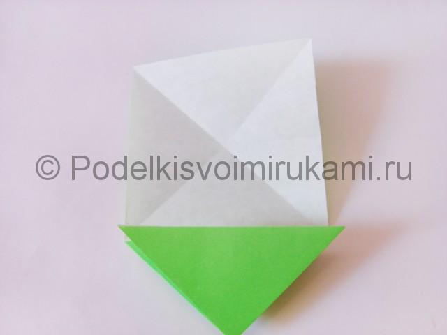 Как сделать прыгающую лягушку из бумаги. Фото 10.