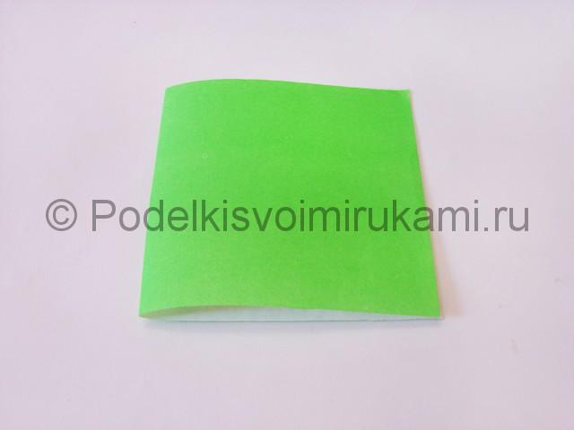 Как сделать прыгающую лягушку из бумаги. Фото 2.