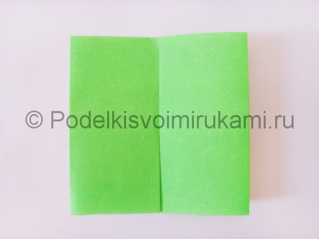 Как сделать прыгающую лягушку из бумаги. Фото 4.