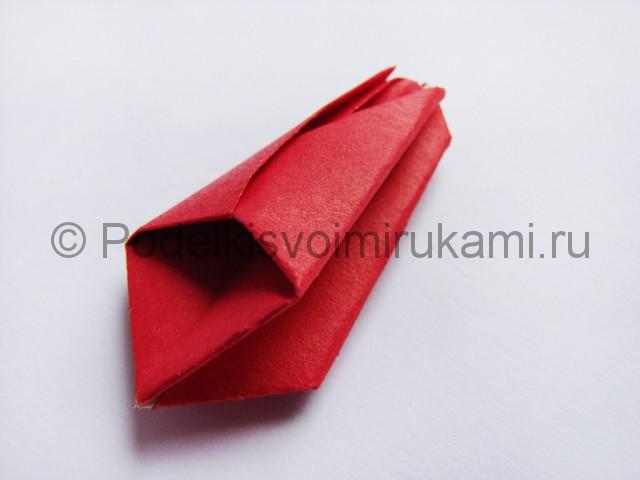 Как сделать тюльпаны из бумаги своими руками. Фото 15.