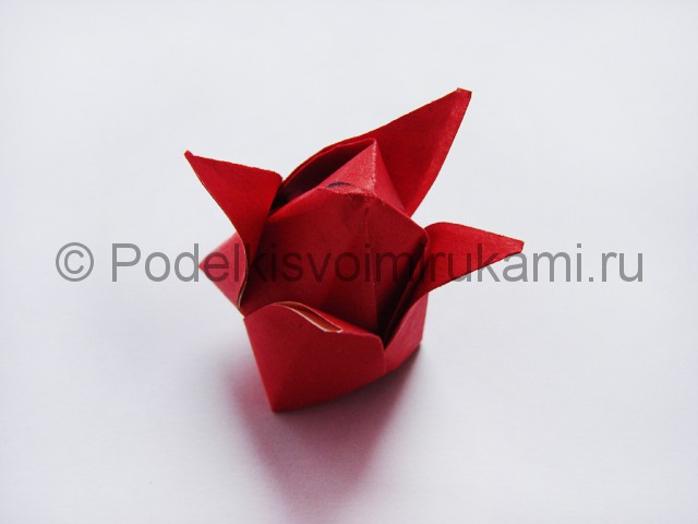 Как сделать тюльпаны из бумаги своими руками. Фото 17.
