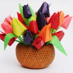 Как сделать тюльпаны из бумаги своими руками. Итоговый вид поделки.