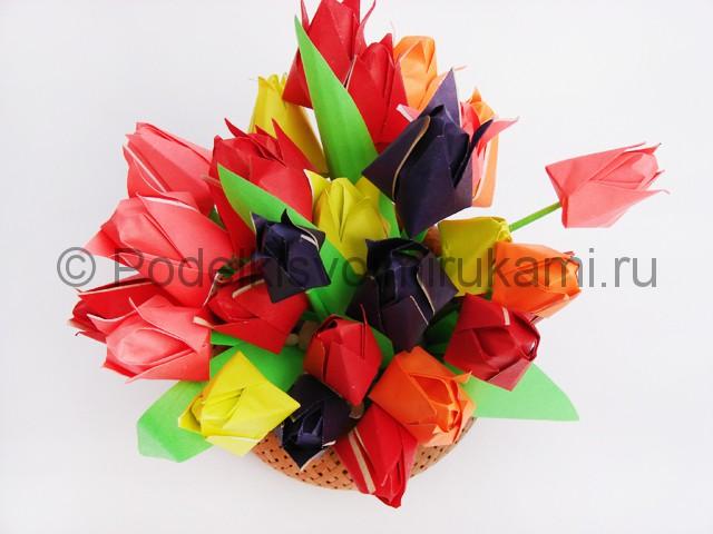 Как сделать тюльпаны из бумаги своими руками. Итоговый вид поделки. Фото 3.