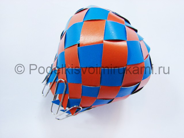 Как сделать воздушный шар из бумаги. Фото №17.