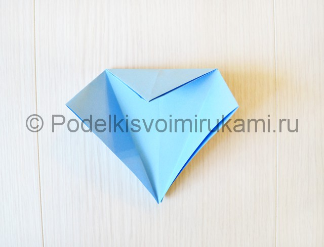 Как сделать журавля из бумаги своими руками. Фото 12.