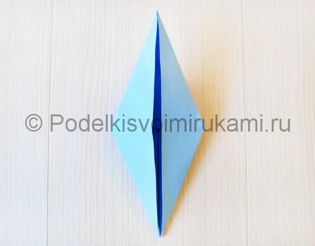 Как сделать журавля из бумаги своими руками. Фото 14.