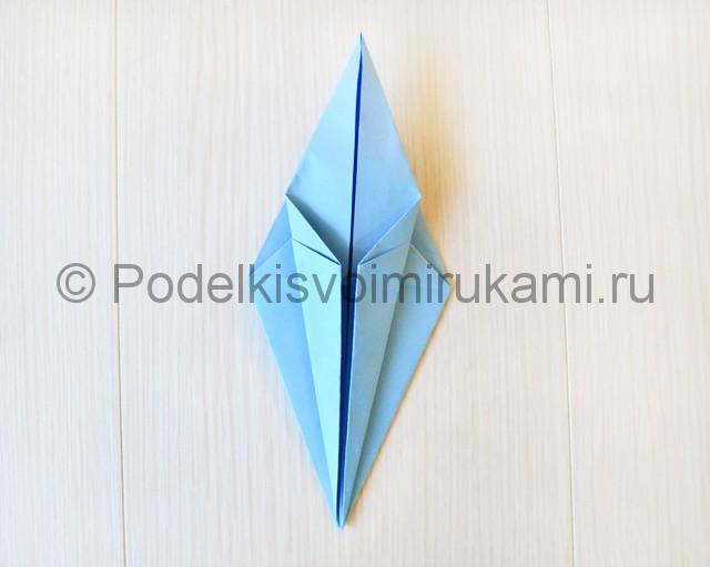 Как сделать журавля из бумаги своими руками. Фото 15.