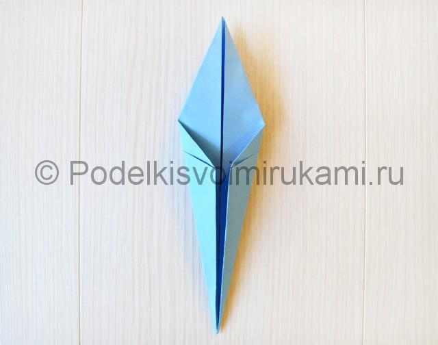 Как сделать журавля из бумаги своими руками. Фото 16.