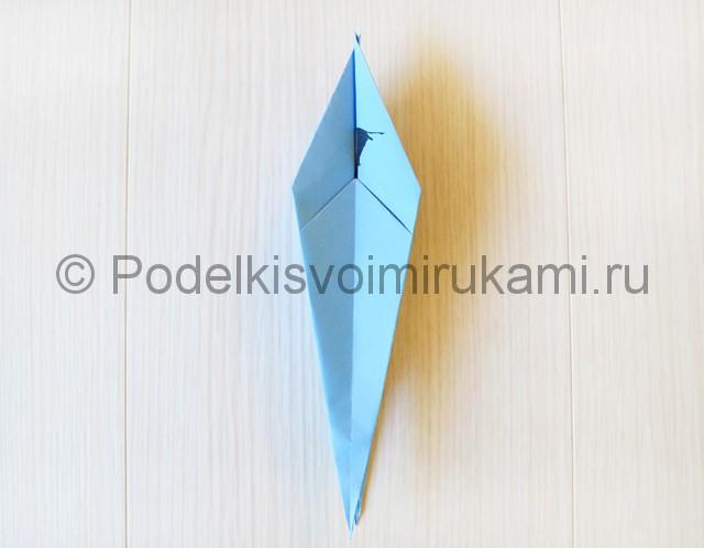 Как сделать журавля из бумаги своими руками. Фото 17.
