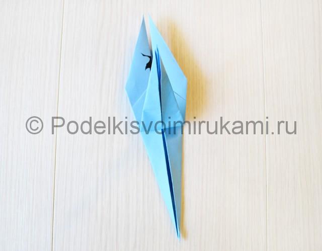 Как сделать журавля из бумаги своими руками. Фото 18.