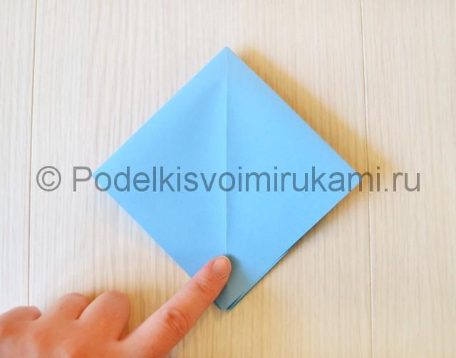 Как сделать журавля из бумаги своими руками. Фото 8.
