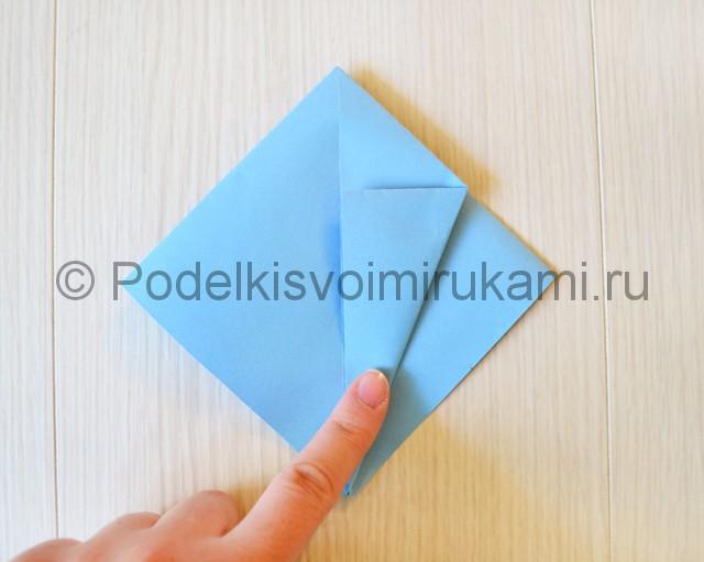 Как сделать журавля из бумаги своими руками. Фото 9.