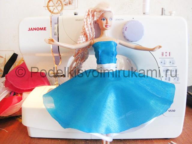 Как сшить пышное платье для куклы своими руками. Фото 16.