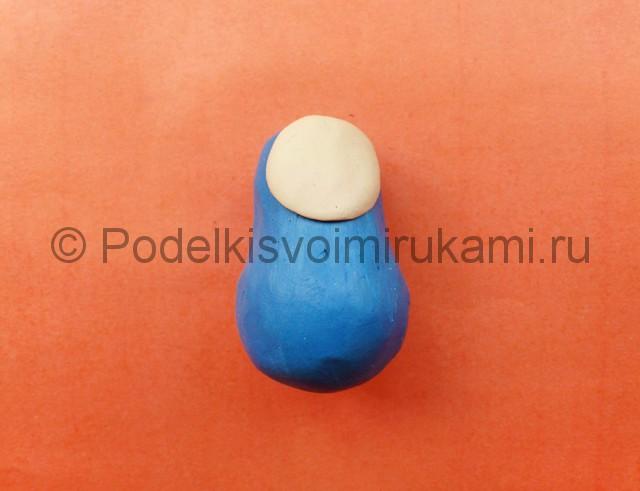 Лепка матрешки из пластилина. Шаг №3.