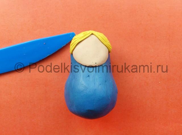 Лепка матрешки из пластилина. Шаг №4.