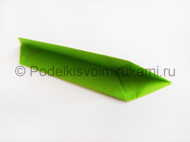 Поделка лотоса из бумаги своими руками. Фото 11.