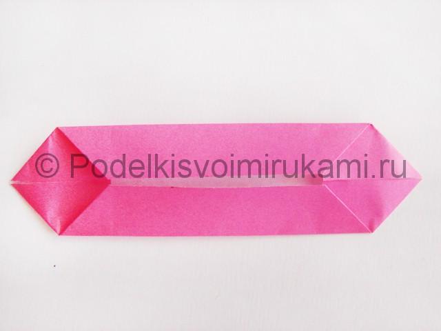 Поделка лотоса из бумаги своими руками. Фото 8.