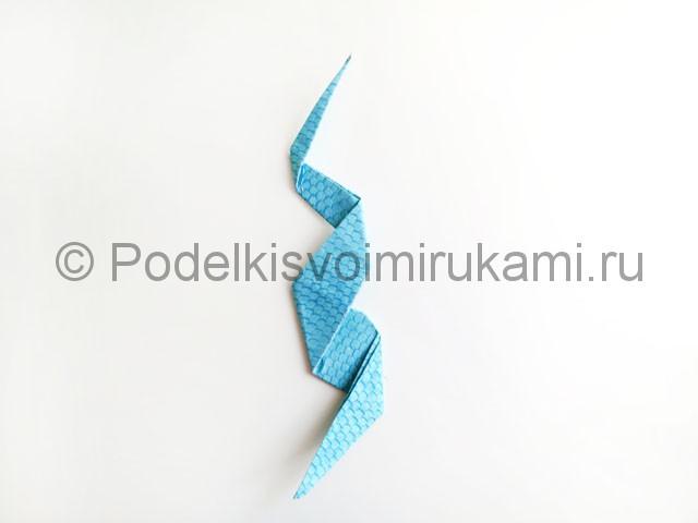 Змея из цветной бумаги. Пошаговый мастер-класс. Фото 14.