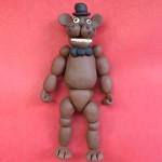 Мишка Фредди из пластилина. Итоговый вид поделки.