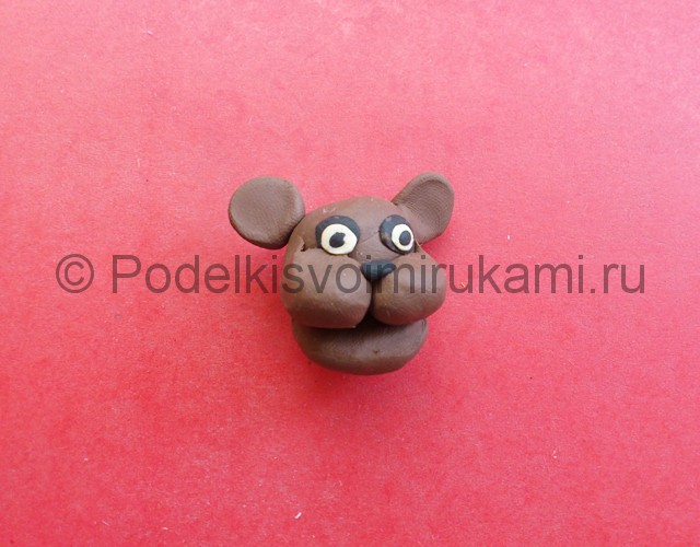 Как слепить мишку Фредди из пластилина. Фото 5.