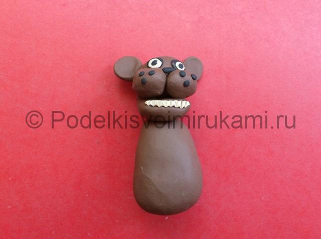 Как слепить мишку Фредди из пластилина. Фото 9.