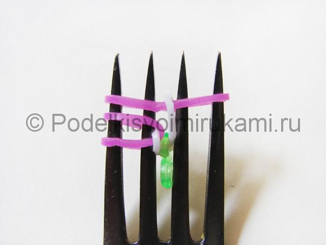 Ажурный браслет из резинок. Плетение на вилке. Фото 9.