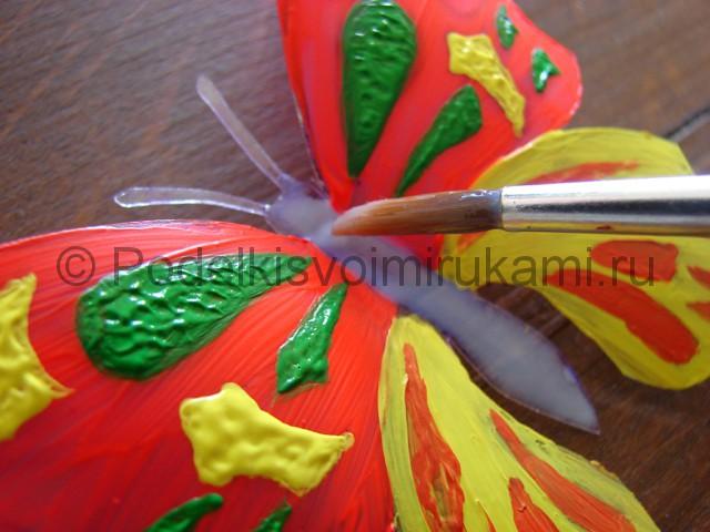 Бабочка из пластиковой бутылки. Фото 12.