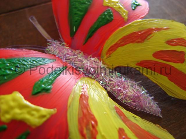 Бабочка из пластиковой бутылки. Фото 14.