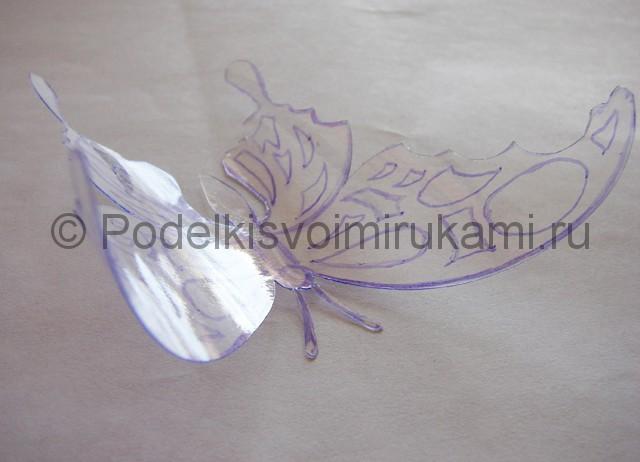 Бабочка из пластиковой бутылки. Фото 7.